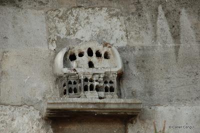 Eyüp Camii Avlu Duvarındaki Kuş Evi
