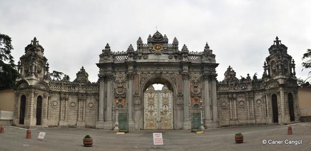 Dolmabahçe Sarayı Merasim Kapısı