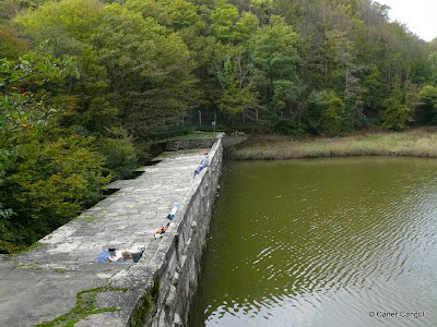 Kömürcü Bent Set Duvarı ve Göleti