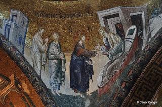 Şifa Arayan Kanamalı Kadın Mozaiği
