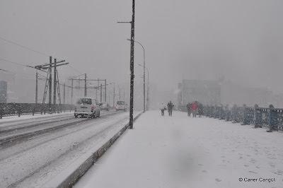Kar Zamanı Galata Köprüsü, Ocak 2010